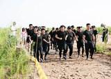 随奔驰GLA挑战泥泞越野跑