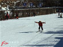 自驾滑雪加摘草莓盛宴 让你一次玩个够