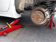 自己动手调节手刹行程 顺便清理车身